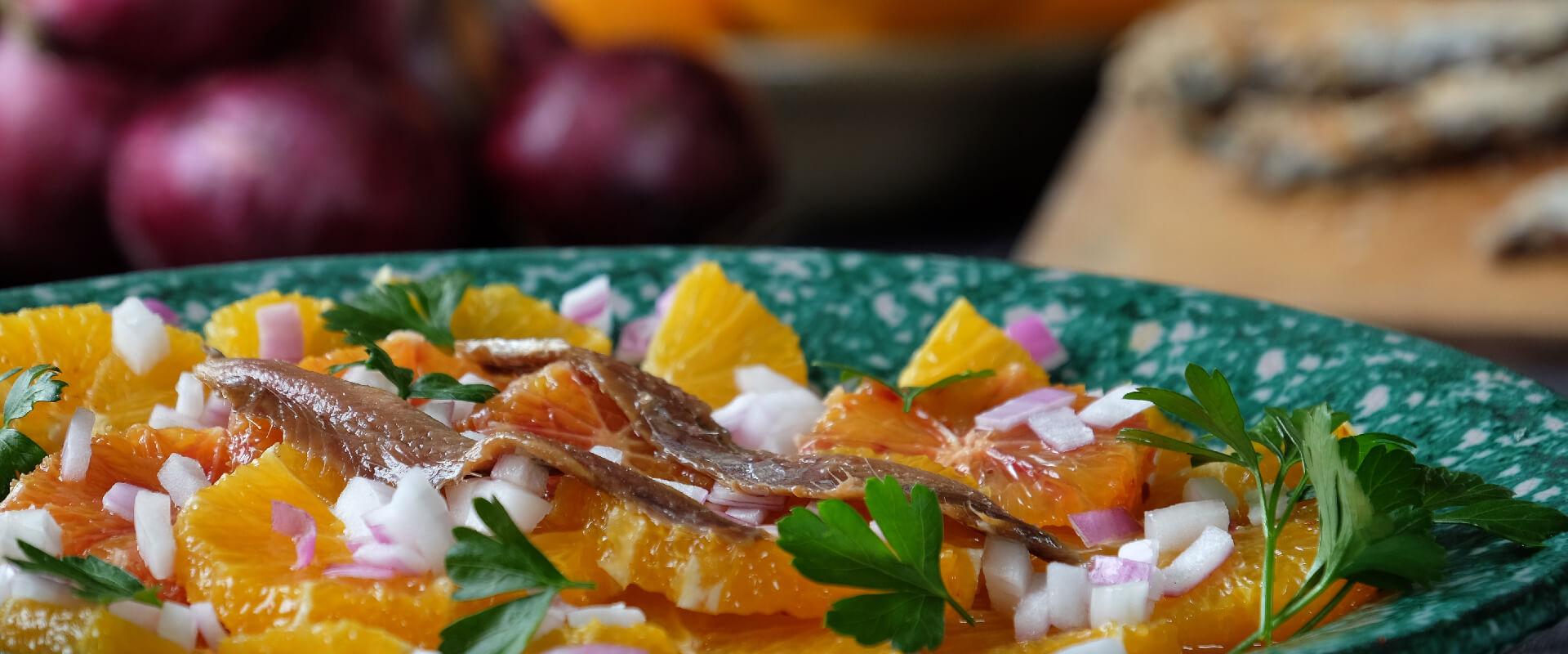 Sałatka z pomarańczy i anchois